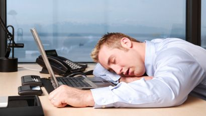 Tips to Stay Awake: Combating Long Working Hours and Sleep