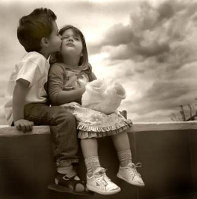 http://healthveda.com/wp-content/uploads/2011/02/kids-in-love.jpg