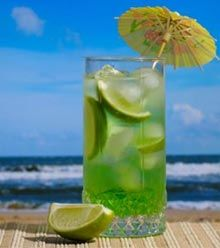 cool summer drinks2 Natural skin treatment for summers: soothing summer drinks to stay calm